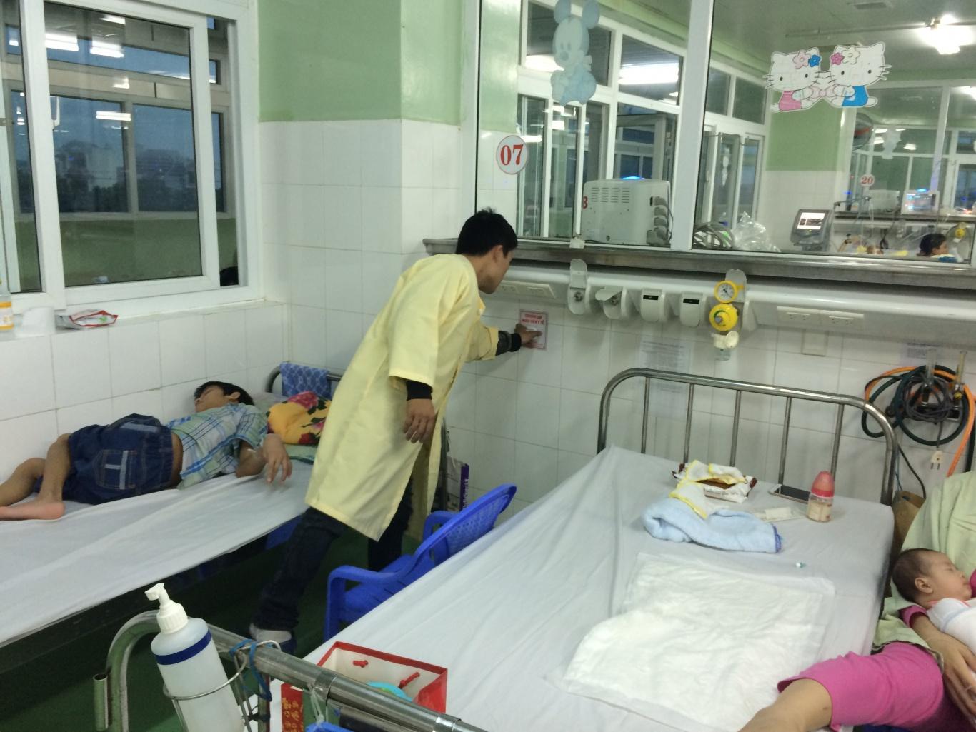 bệnh nhân sử dụng chuông goi y tá